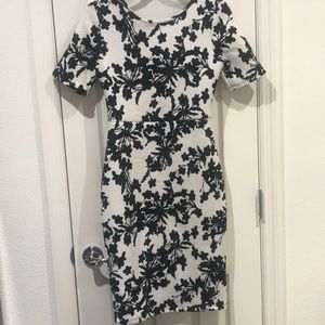 Black & White Floral Forever 21 Dress Size Small